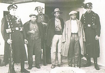 Detenidos de Casas Viejas sospechosos de haber participado en la sublevación.